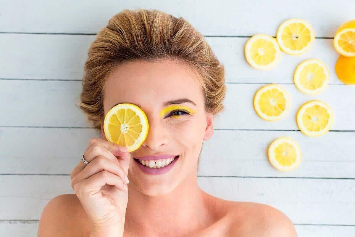 فوائد الليمون للبشرة وحب الشباب وطريقة استخدامه