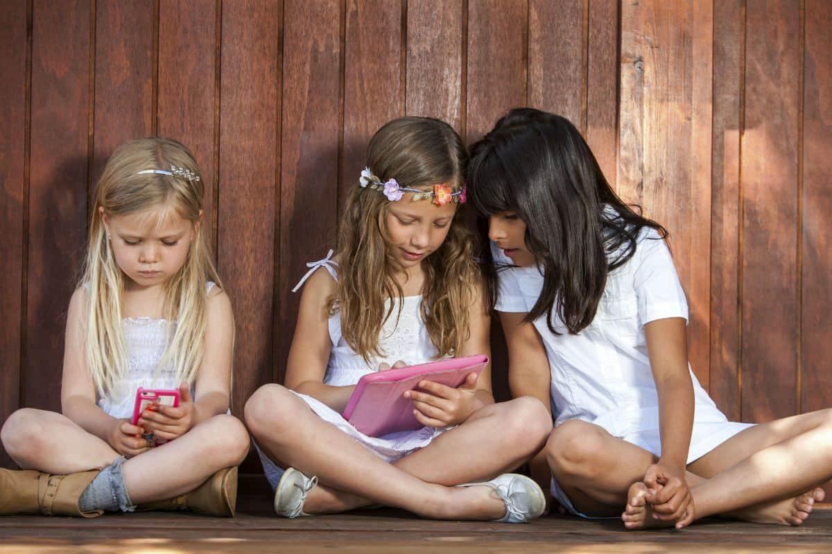 قصة البنات الثلاثة اجمل قصص اطفال مكتوبة