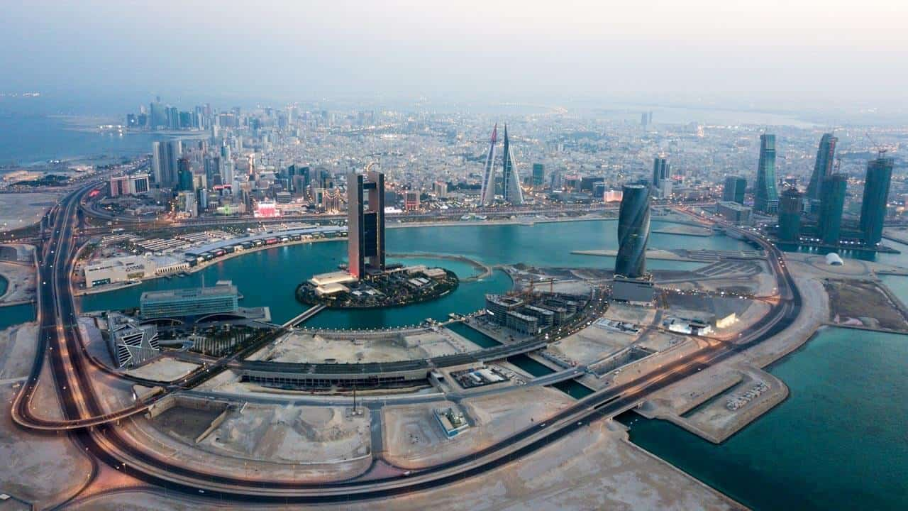 عدد سكان قطر 2021
