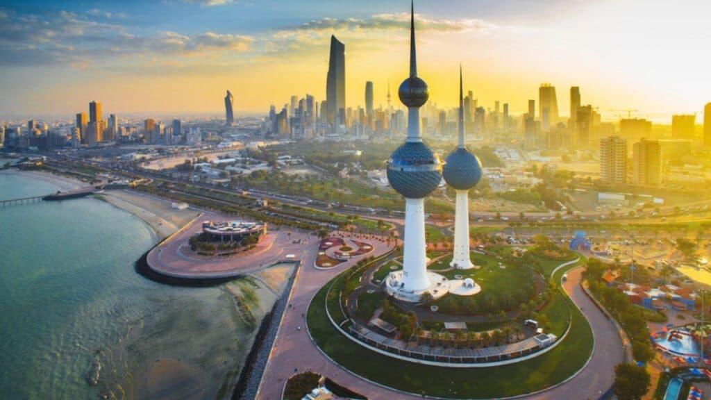 كم عدد سكان الكويت 2021t